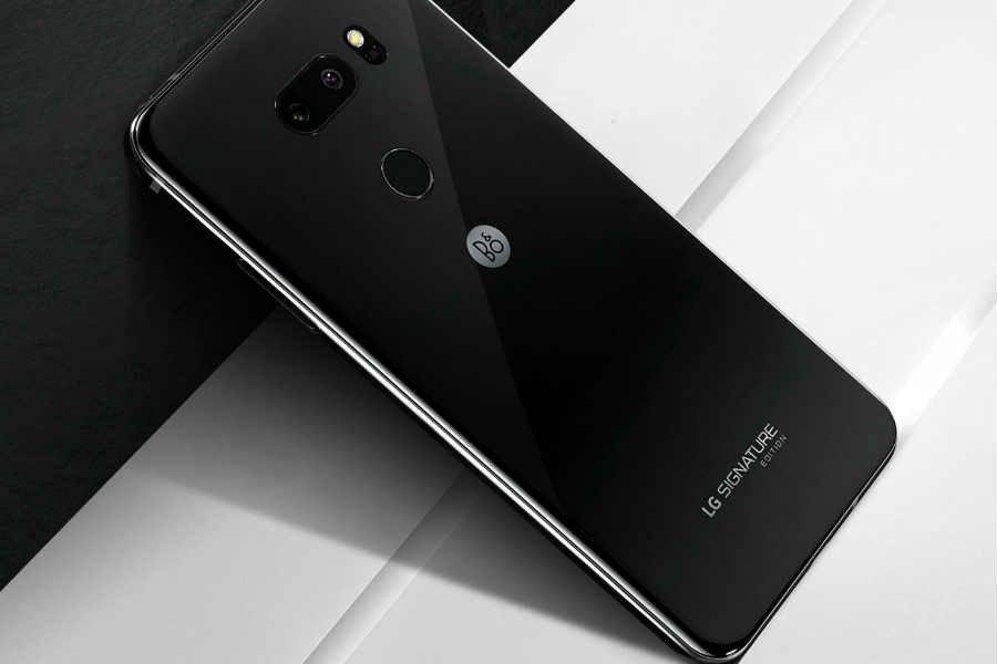LG Signature Edition 2018 VS  LG V35 ThinQ: Comparison